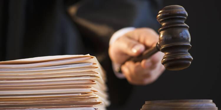 une greffière du tribunal accusée d'avoir rabattu des clients vers des avocats