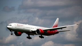 Un Boeing 777 forcé d'atterrir en urgence à Moscou après un problème moteur