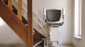 Une retraitée collecte des milliers d'euros pour faire installer un monte-escalier