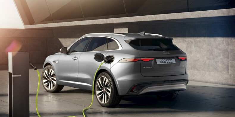 Plongeon de l'auto en France, les modèles diesel rattrapés par les hybrides