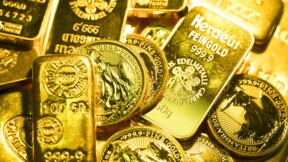 Faut-il acheter de l'or après la hausse des taux d'intérêt ?