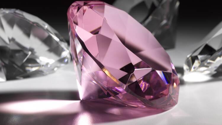 Le diamant préféré de la reine Elizabeth II au cœur d'une sombre affaire en Tanzanie