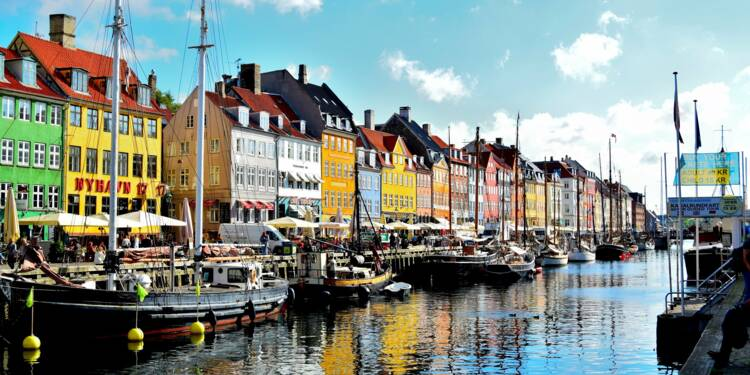 Le Danemark tire un trait définitif sur le vaccin AstraZeneca anti-Covid-19, que va-t-il faire de ses stocks ?