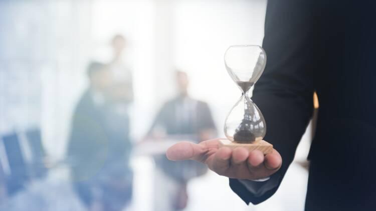 Au travail, tout va-t-il vraiment plus vite?