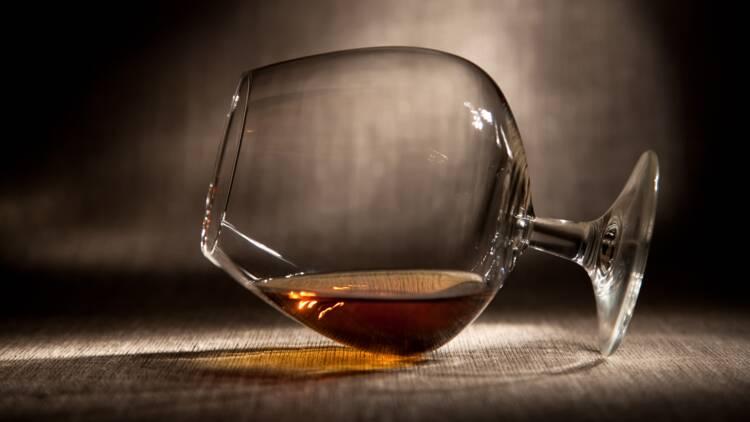 Après Lidl et le bordeaux, Carrefour brade le cognac et agace les viticulteurs