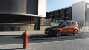 """Auto : les immatriculations explosent en France, les véhicules utilitaires dopés par le """"boom des services de livraison"""""""