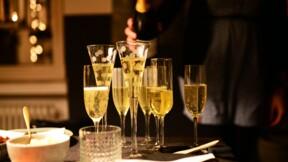 Le vin résiste à la crise du Covid-19, mais le champagne boit la tasse