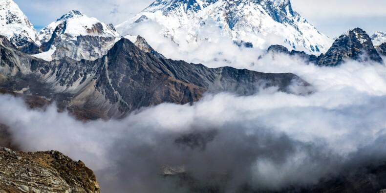 Des cas de Covid découverts au sommet de l'Everest