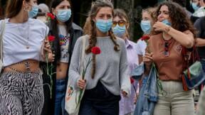 Covid-19 : vers un assouplissement du port du masque pour les personnes vaccinées ?
