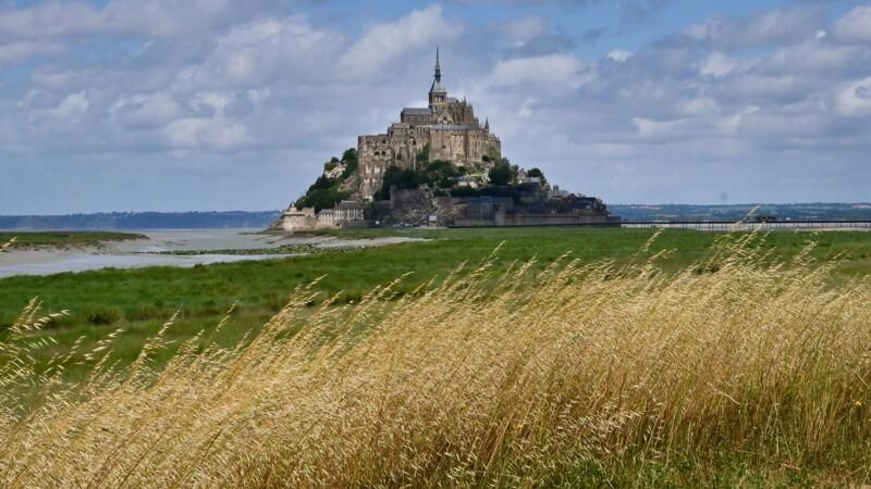 L'éleveur refuse de démonter sa bergerie dans la baie du Mont Saint-Michel