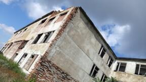 Leur logement incendié, une vingtaine de personnes squattent une maison à vendre