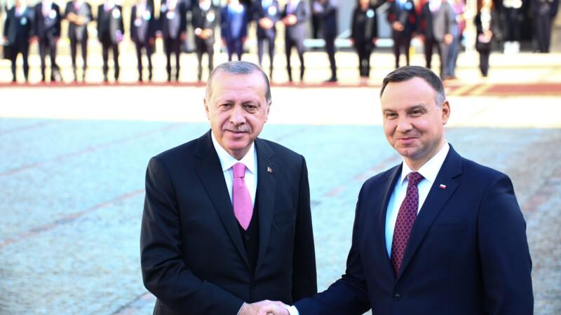 La Turquie vend 24 drones armés à la Pologne