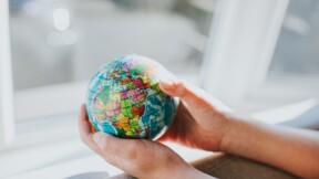 """L'OCDE affiche son optimisme pour l'économie mondiale mais gare aux """"vents contraires"""""""