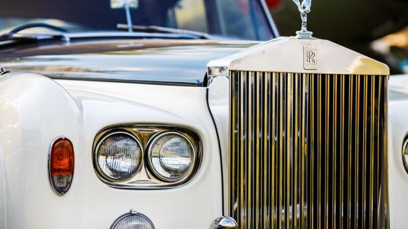 Une Rolls Royce interdite d'entrée en Italie à cause de ses sièges en cuir de crocodile.