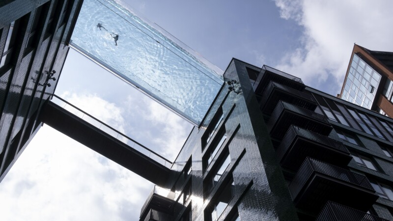 Londres : une piscine incroyable entre deux immeubles, mais pas pour tout le monde