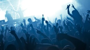 Discothèques et concerts debout : la date de réouverture est fixée