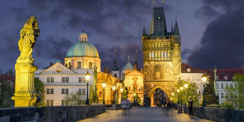 """République tchèque : """"l'enfer sur terre"""" après une tornade, des morts et des incendies"""