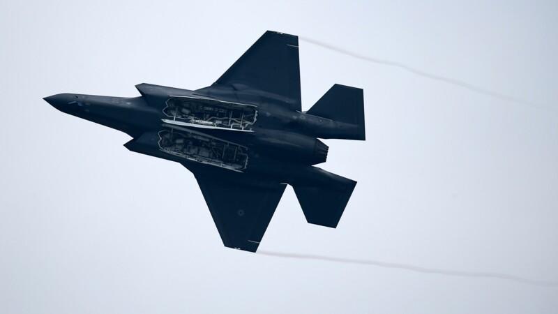 Le F-35, avion de chasse controversé de Lockheed Martin