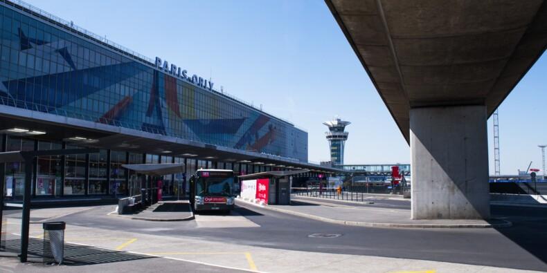 Orly : les lettres de la façade de l'aéroport ont enflammé les enchères
