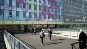 Vaccination contre le Covid-19 : dans les coulisses de l'hôpital Bégin