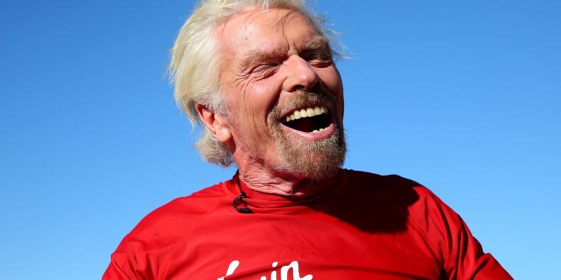 """Richard Branson accomplit son rêve d'enfant et promet """"nouvelle ère spatiale"""""""