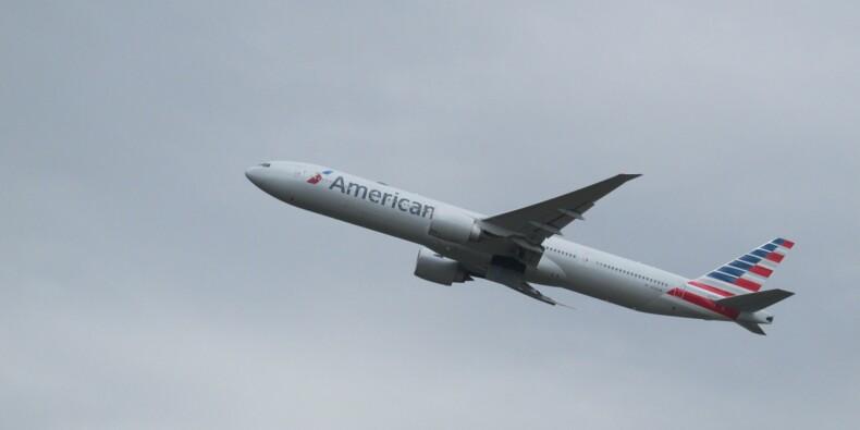 La méthode drastique employée contre une passagère qui voulait descendre d'un avion en plein vol