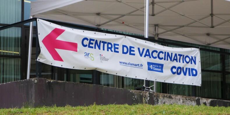 """Vaccin Covid-19 : pas de troisième dose systématique pour tous """"pour le moment"""", juge la Haute autorité de santé"""