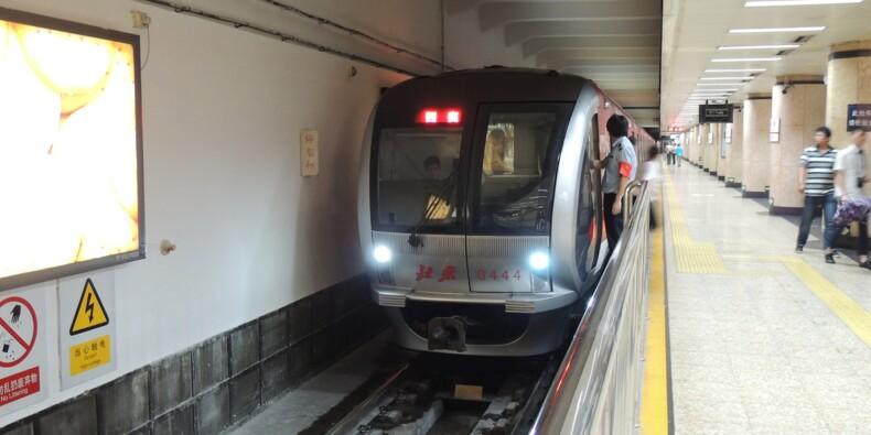 Chine : des pluies torrentielles font plusieurs morts dans un métro