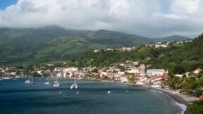 De nouvelles restrictions en Guadeloupe, Martinique et à la Réunion face à la flambée du Covid