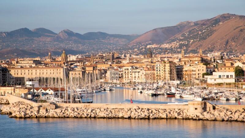 Le calvaire de dizaines de Français bloqués dans un hôtel insalubre en Sicile