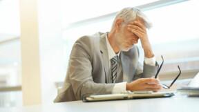 Quels sont les risques si mon patron découvre une carte de visite au nom de mon futur employeur?
