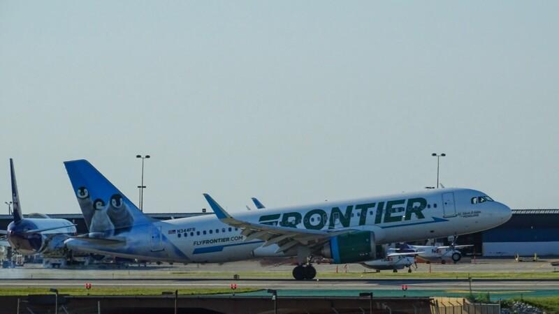 Après des gestes déplacés, un passager termine le vol scotché à son siège