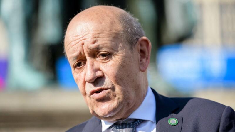 Jean-Yves Le Drian flingue son ancien parti, Robert Ménard inquiet pour Le Pen… le débrief' des matinales politiques