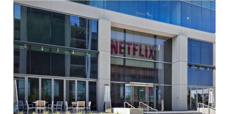 Et si Netflix achetait ses propres salles de cinéma ?