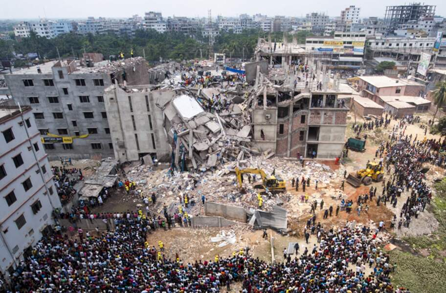 24 AVRIL 2013 : Effondrement du Rana Plaza, un immeuble de Dacca au Bangladesh