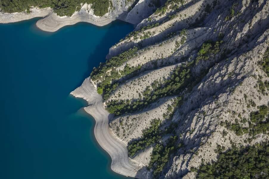 Le lac de Serre-Ponçon (Hautes Alpes)