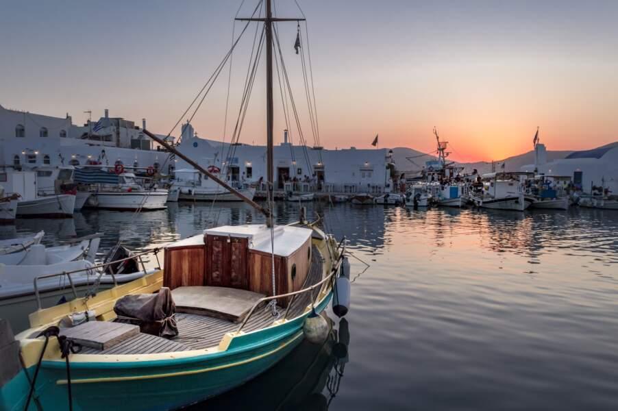 10 - Grèce : un aller-retour pour les Cyclades à 200 euros