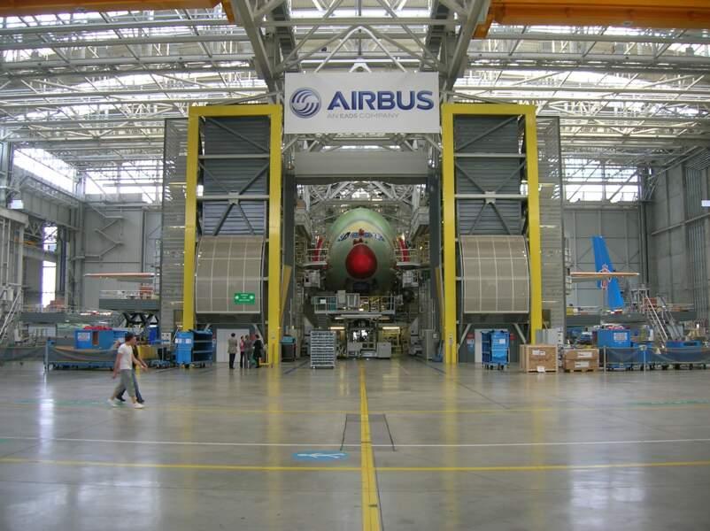 """Airbus pourrait """"prendre des décisions radicales"""", avec un lourd impact à la clé sur l'emploi"""