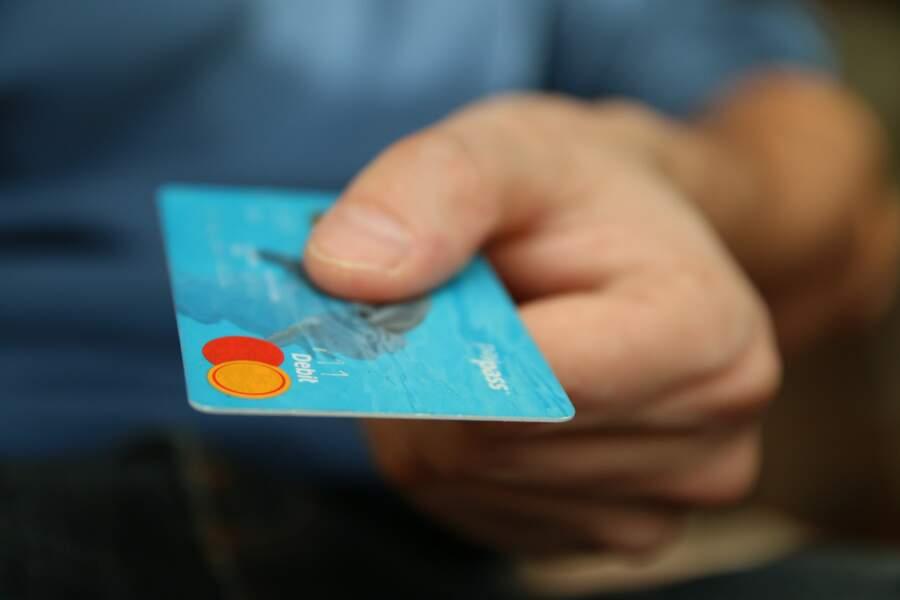 5.Employés de la banque et des assurances