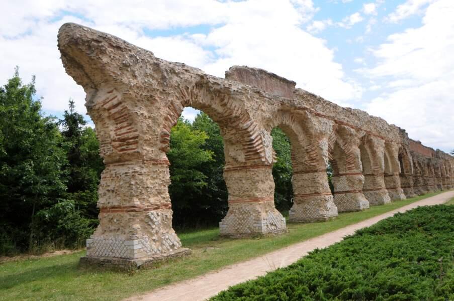 Auvergne-Rhône-Alpes : Aqueduc romain du Gier