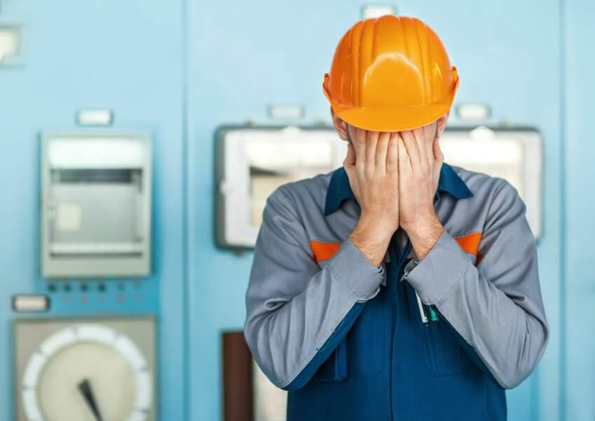 L'industrie mondiale tombe en récession