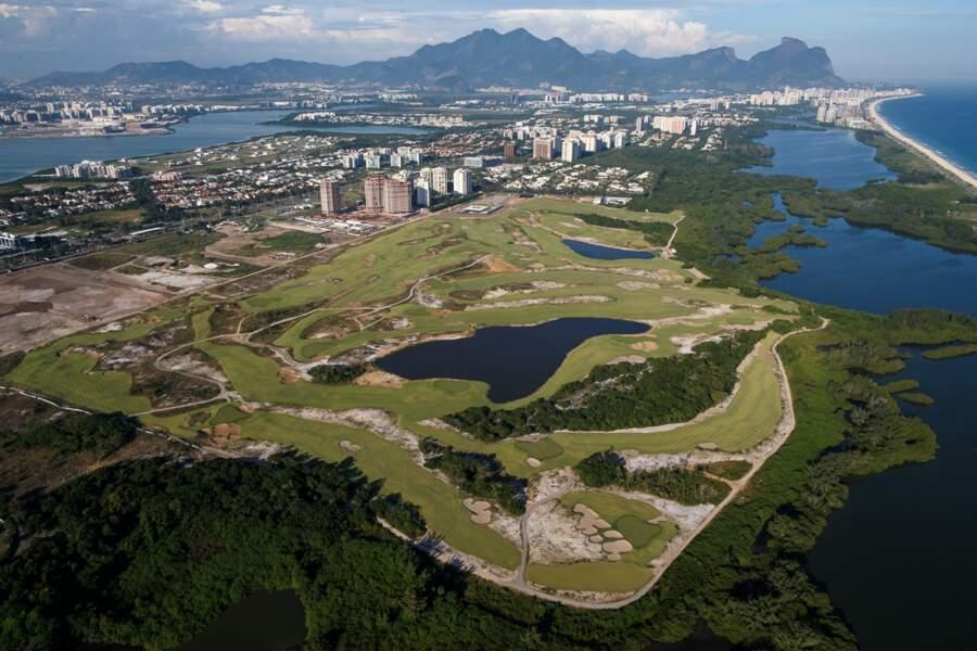 Un terrain de golf en plein cœur d'une réserve naturelle