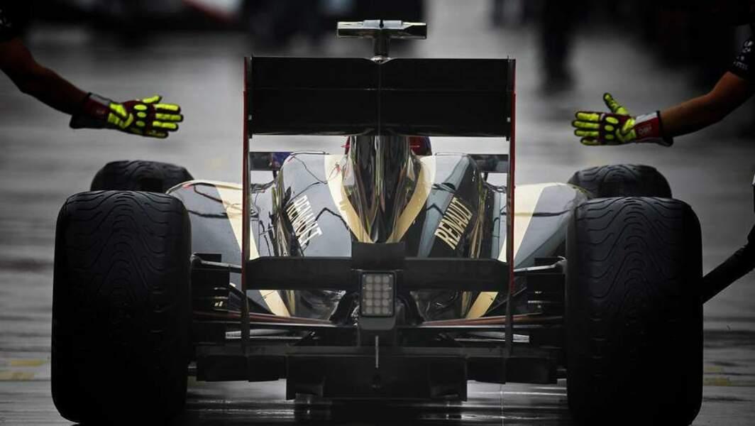 2015 : Renault rachète Lotus et officialise son retour