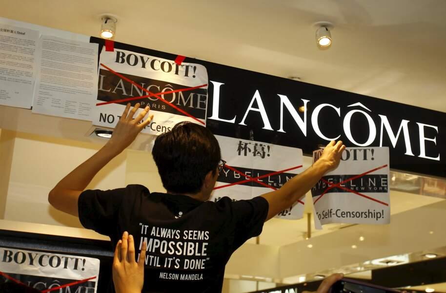 Lancôme : appel au boycott à Hong Kong après un concert annulé