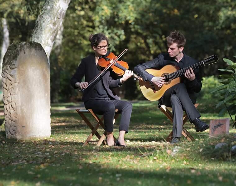 Elicci : des enterrements en musique