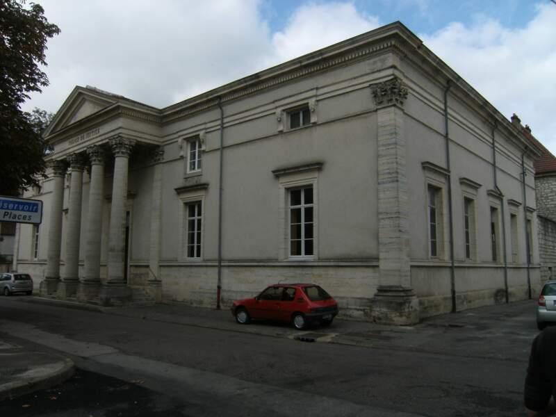Le palais de justice de Gray vendu pour 140.000 euros