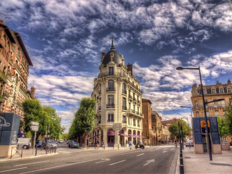 """Toulouse se dote d'un bâtiment futuriste avec """"Sky-Line"""""""