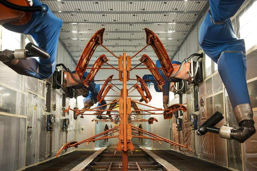Drôle de ballet dans la nouvelle usine BMW