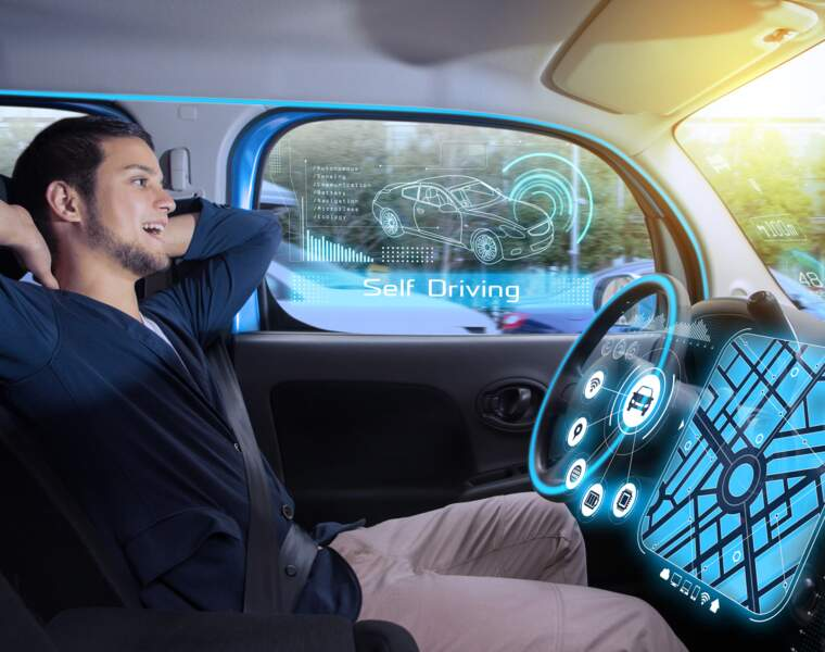 Les voitures autonomes communiqueront avec les feux et les ronds-points
