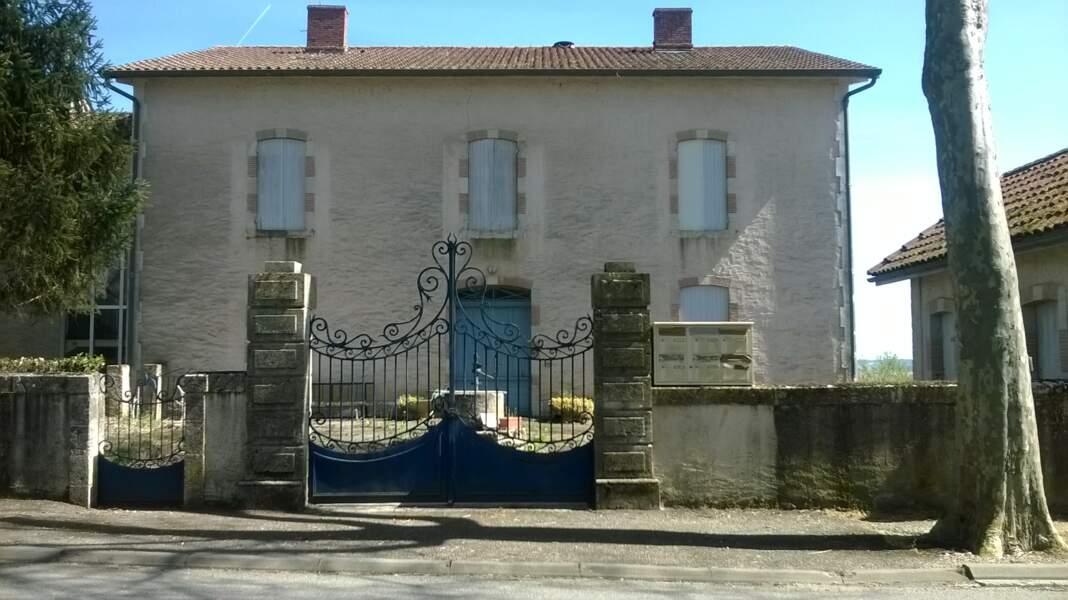La gendarmerie de Miradoux achetée pour 210.000 euros